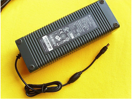 180W 100-240V 50-60Hz(for worldwide use) 12V 15A, 180W adattatore