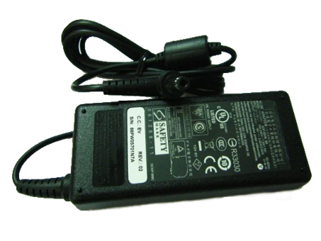 E-475M 100-240V, 50-60Hz 19V,  3.42A adattatore